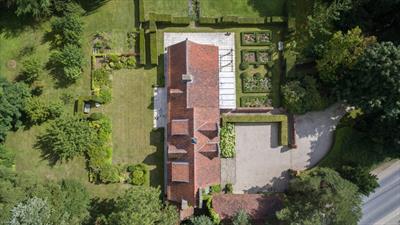 Landelijke villa met prachtige volgroeide tuin nabij de golf van oudenaarde